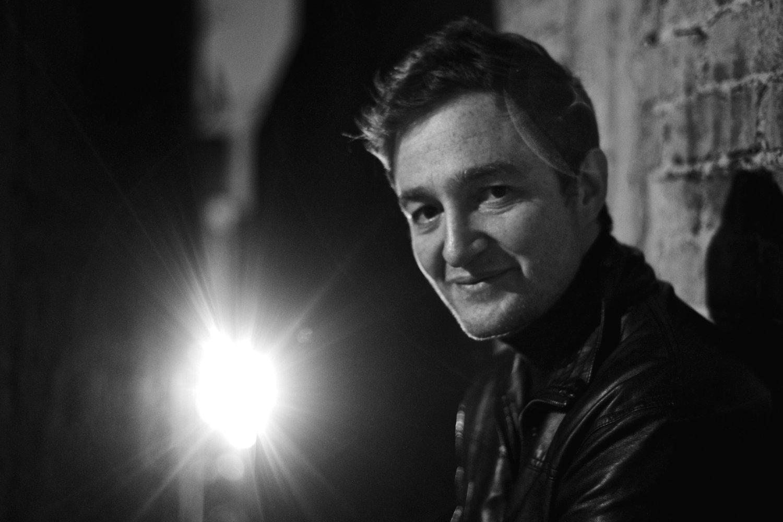 Entrevue avec le cinéaste Juan Andrés Arango, réalisateur de X Quinientos, explorateur d'identités